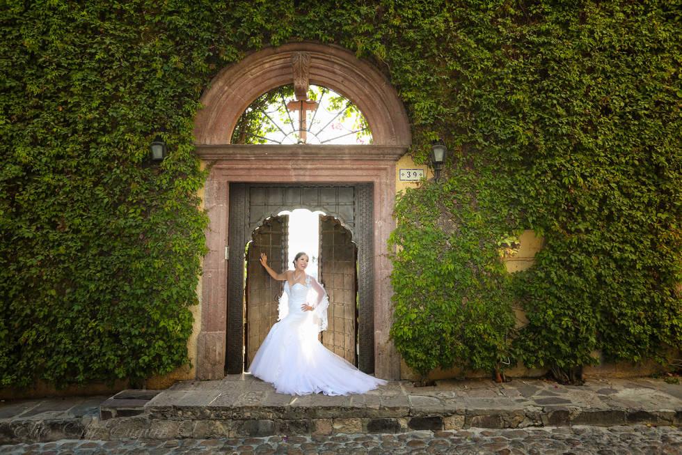 Casa Chorro San Miguel de Allende Wedding bride