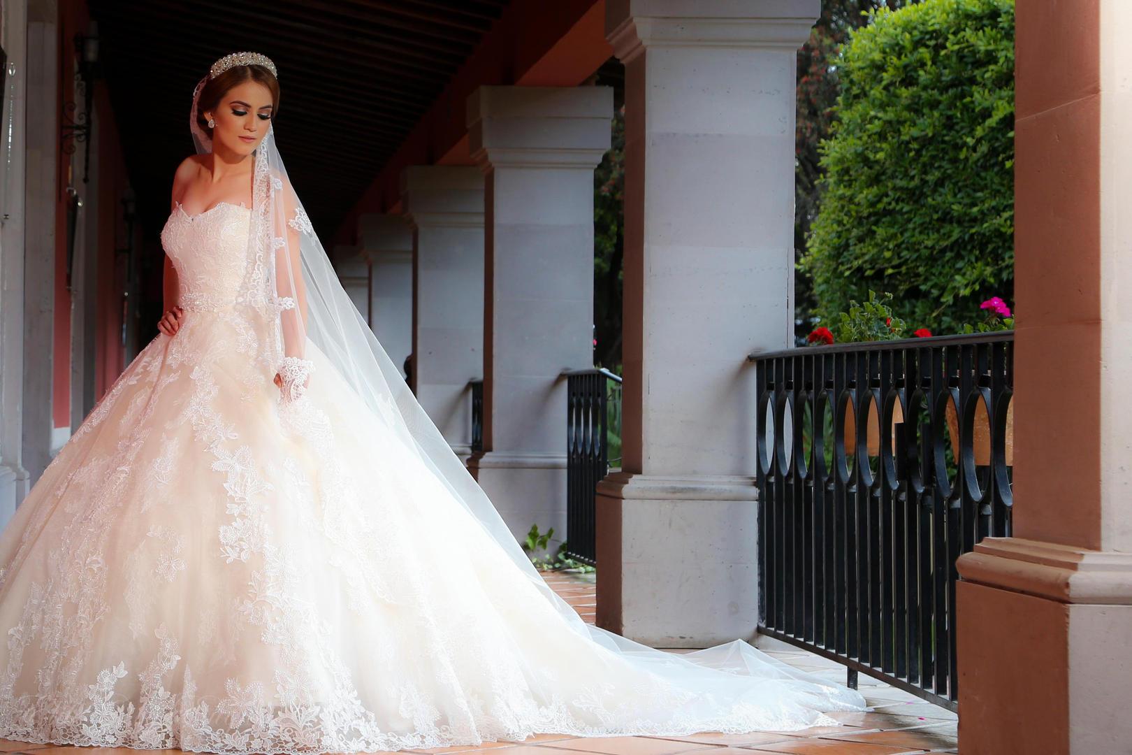 Bride at Real de Minas getting ready San Miguel de Allende