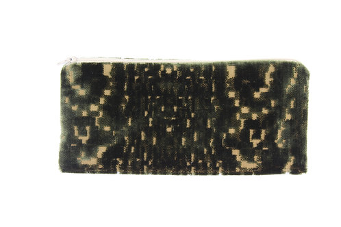 skinny pouch no. 810