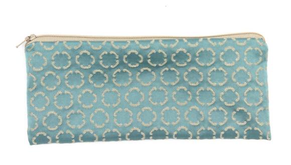 skinny pouch no. 755w
