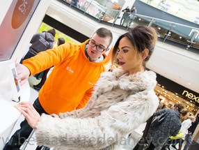 Home heating promotion, customer and advisor at Manchester Arndale Centre