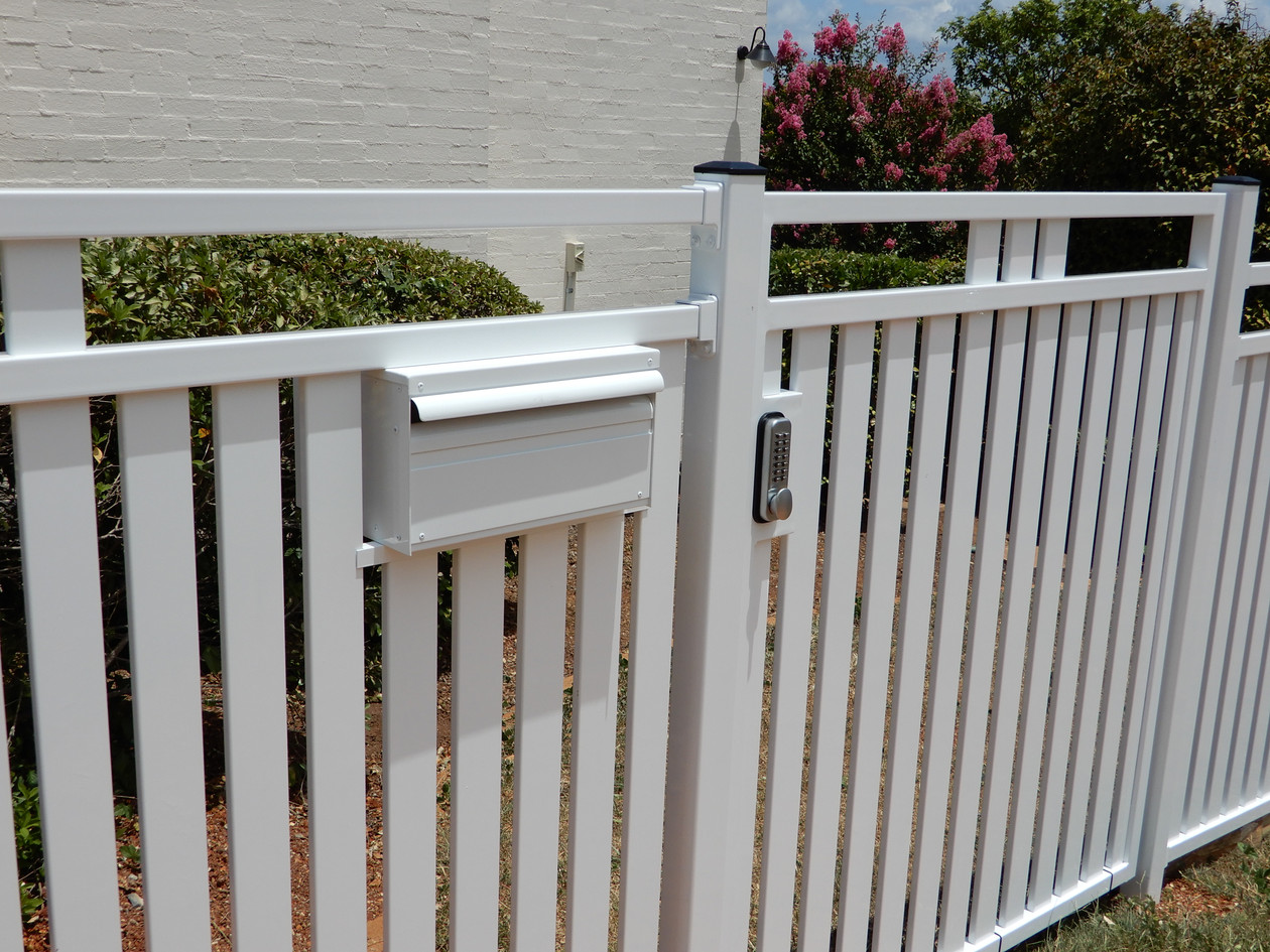 Slats with Gate & Letterbox