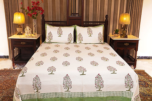 Burning Chinar Jacquard Bed Cover