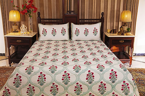 Green Trellis with Flowers Quilter Bed Cover