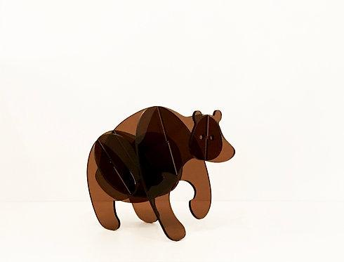 Photo d'un ours en plexiglas, objet design pour la décoration et fabriqué à Paris