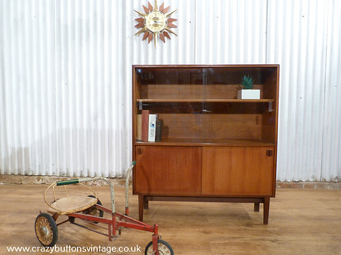 Beaver and Taply Robert Heritage bookcase