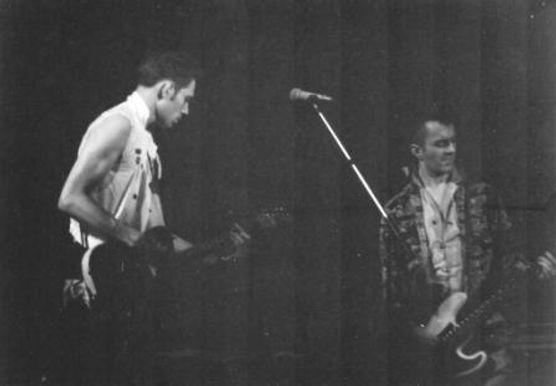 Clash, Joe Strummer, Paul Simonon, on-stage, Newcastle City Hall 1982, punk, post-punk, London Calling