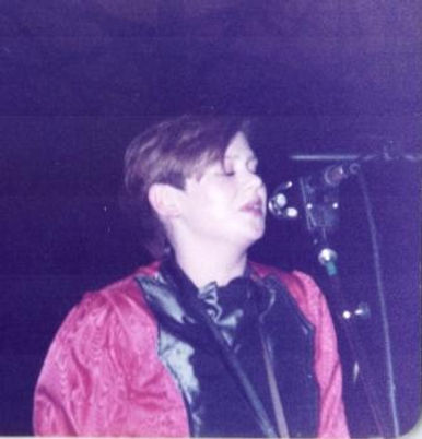 Jo Wells, Kissing The Pink, on-stage, Newcastle 1982, Watching Their Eyes, Mr Blunt, The Last Film