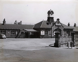 Manors Station fully operational in the 1960s