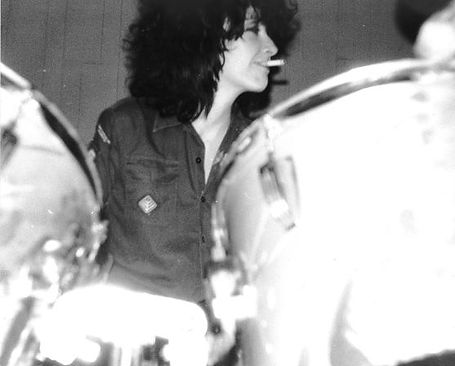 Au Pairs, Lesley Woods, soundcheck, drum kit, cigarette, Newcastle University 1981, It's Obvious, Playing With A Different Sex, punk, post-punk, Simon McKay, Eccentric Sleeve Notes