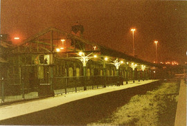 Manors Platform fully lit 1985