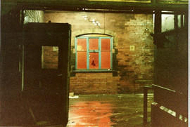 Manors Station interior 1985