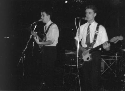Daintees, Martin Stephenson, Jamie Harwood, on-stage 1982, Newcastle Tiffanys, Roll On Summertime, Kitchenware