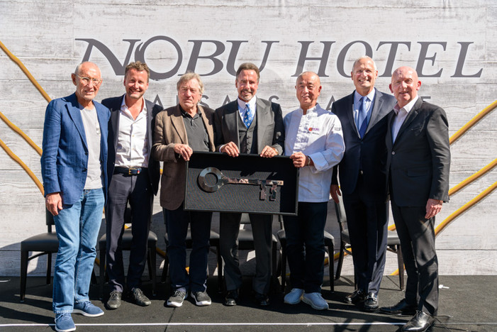 Nobu Hotel Caesars Palace Celebrates 5th Anniversary with Chef Nobu Matsuhisa & Robert De Niro R