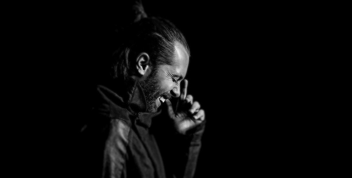 DJ David Puentez im Fotostudio