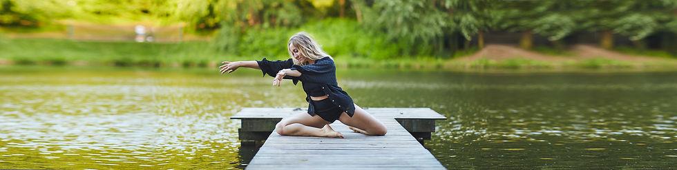Elodie, Leclercq, Elodie Leclercq, Thérapie, Thérapie par le mouvement, Mouvement, Développement personnel, Dev pers, Flow, espace flow, blogueuse, Dance, bloom dance, Danseuse, Logo, Se sentir mieux, se sentir belle, nature,