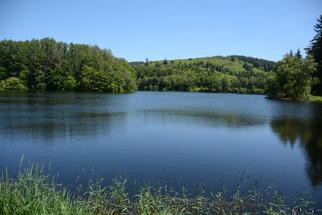 lac de la Crouzille.JPG