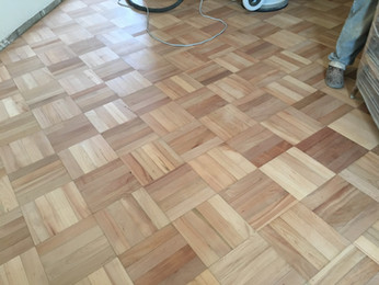 Vitrificado de parquet natural