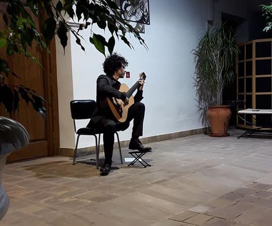 Concierto de Guitarra en el Pation de Columnas