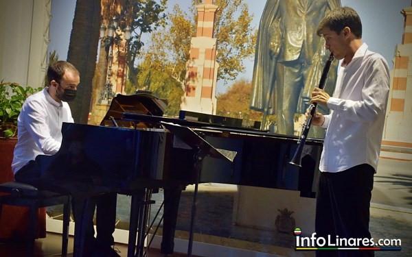 Concierto de clarinete y piano durante el FIMAE, en Julio de 2021 (Foto cortesía de Infolinares.com)