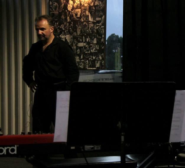 Mikan in the recording studio