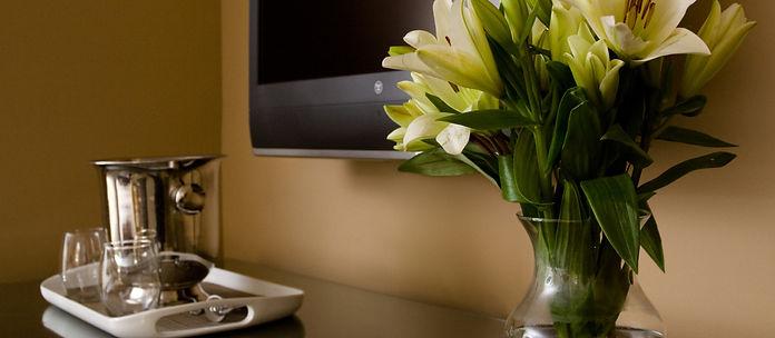 Fresh Flowers & Details
