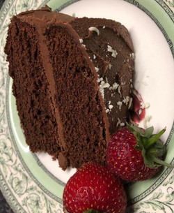 Chocolate%20cake%20with%20strawberry_edi