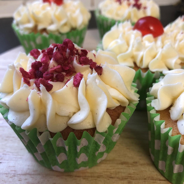 cupcakes raspberry crumb