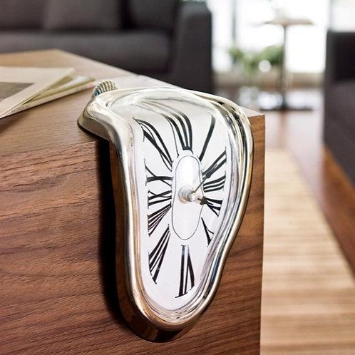 """Επιτραπέζιο Ρολόι που """"Λιώνει"""" - Melting Clock"""