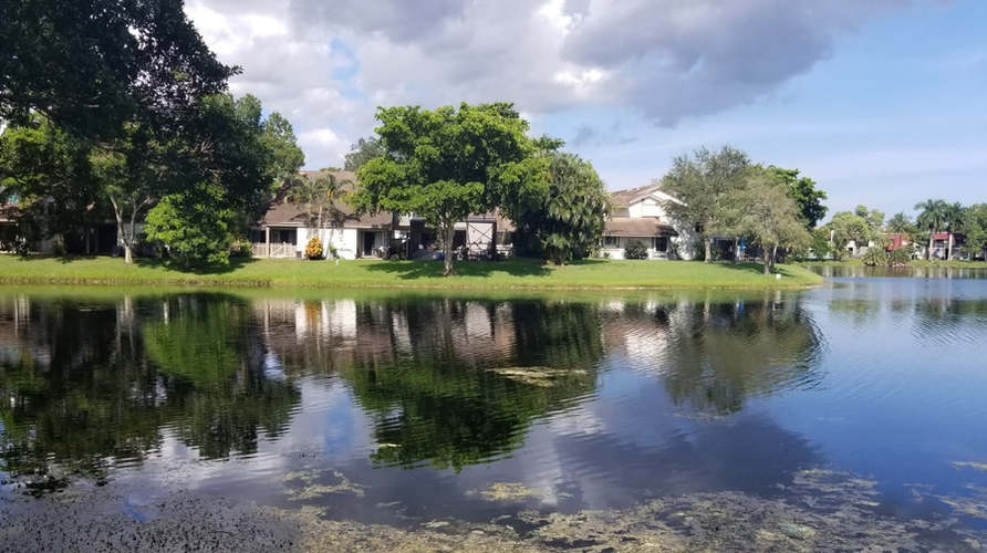 home for sale in plantation lake view.jp