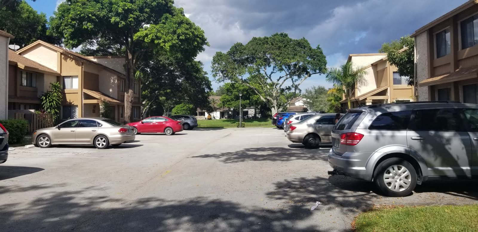 home for sale in plantation parking area