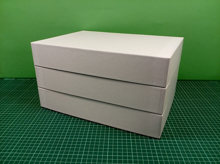 Boxes 34x24x6cm - hard cardboard - PACK: 3
