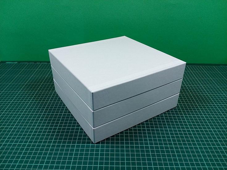 Boxes 24x24x4cm - hard cardboard - PACK: 3