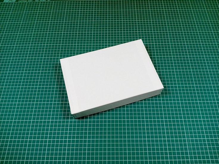 Box 24x16x4cm - hard cardboard