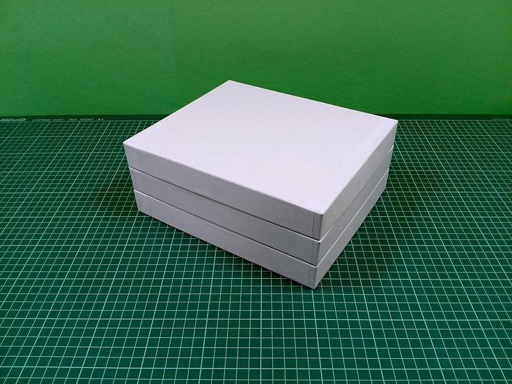 Boxes 24x20x3cm - hard cardboard - PACK: 3
