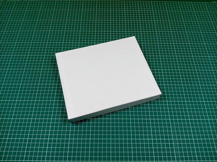 Box 24x20x3cm - hard cardboard