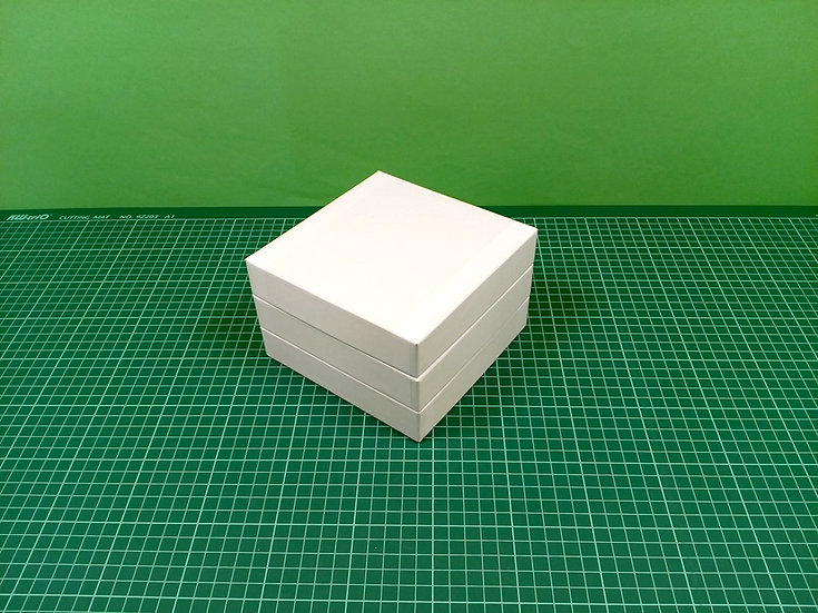 Boxes 15x15x3cm - hard cardboard - PACK: 3