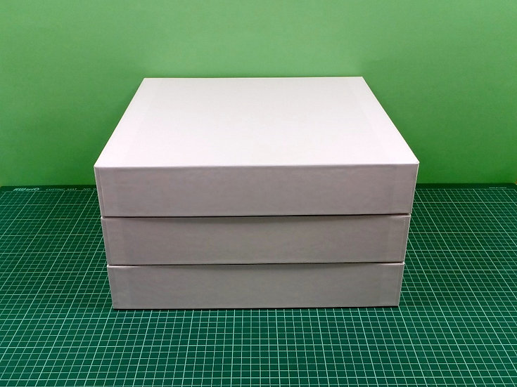 Boxes 34x34x6cm - hard cardboard - PACK: 3