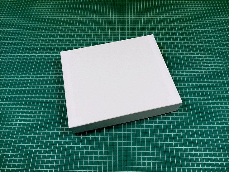Box 24x20x4cm - hard cardboard