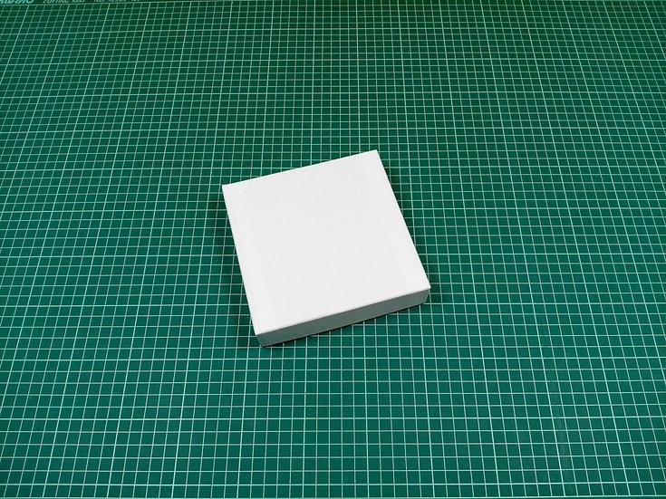 Box 15x15x3cm - hard cardboard