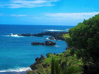 1024px-Waianapanapa_State_Park_-_panoram