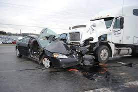 How to Know if You Should Sue the Truck Driver or Company in an Accident
