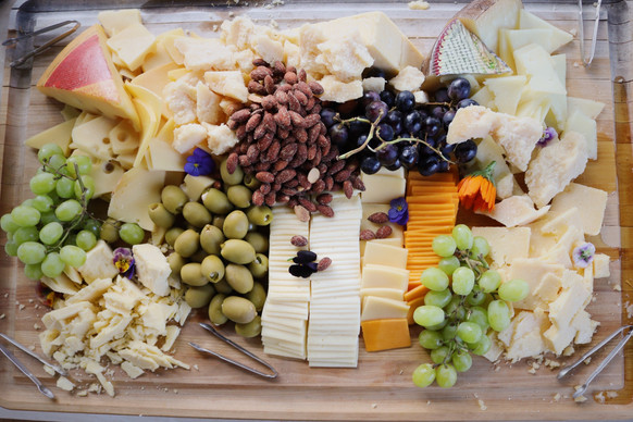 Charcuterie & Hors D'oeuvres Daily