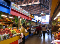 アタラサナス市場