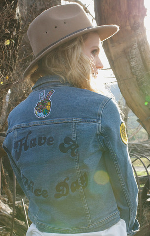 Rollas_Denim_Jacket_Hippie_Blue_Back_large