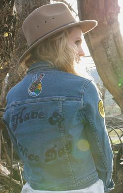 Rollas_Denim_Jacket_Hippie_Blue_Back_large