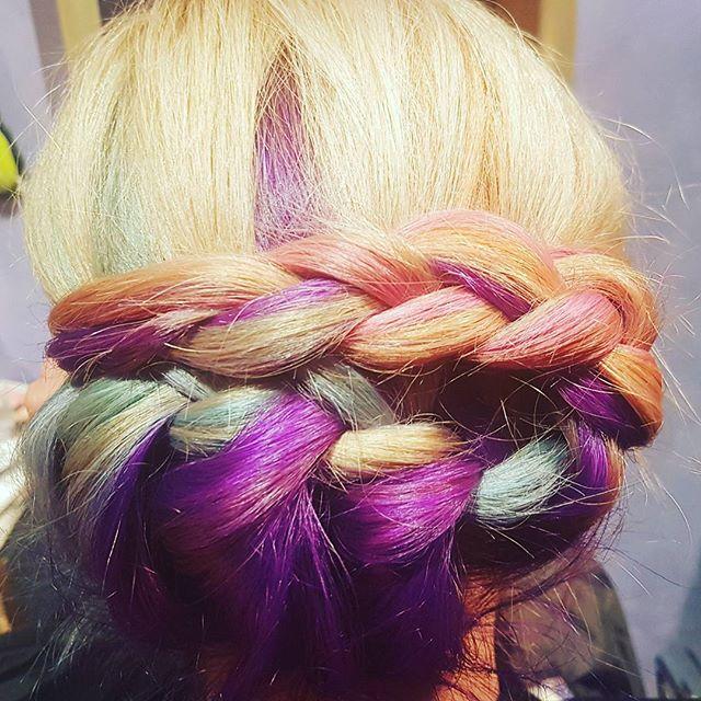 Some freshen up on Roxys rainbow hair