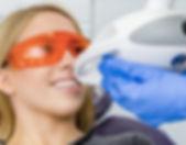 Отбеливание зубов системой ZOOM-4 в клинике Doctor Landes в Москве