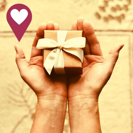 Traditional and Modern Anniversary Gift Ideas From The First to Your Sixtieth in Gifs!