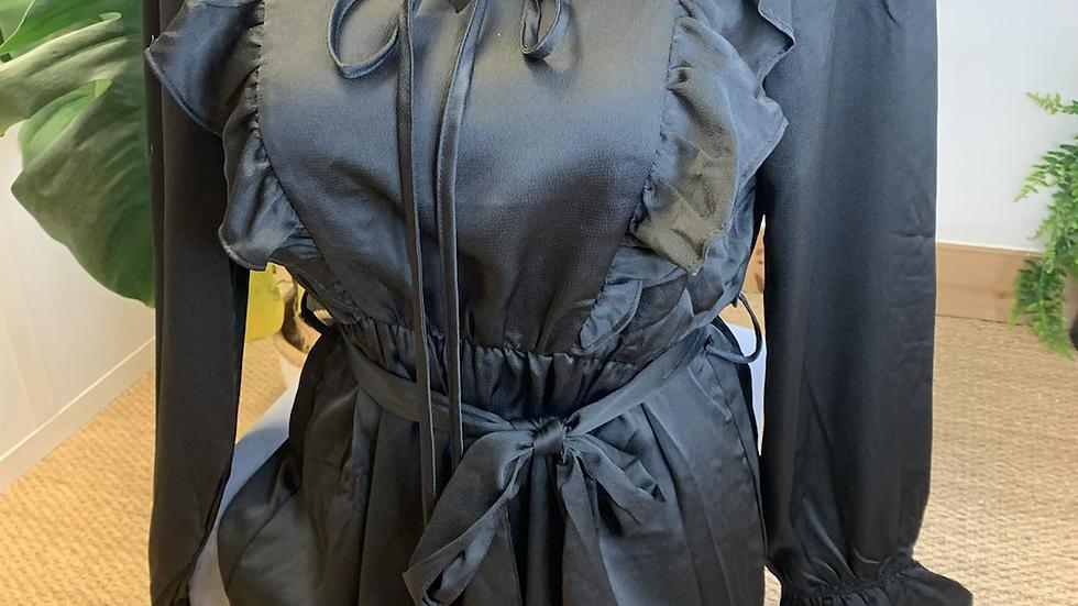 Robe satinée (728)